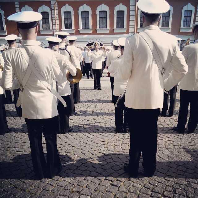 10584566 579183522202605 2105594543 n - В преддверии дня ВМФ #деньвмф #питер #петропавловка #петербург #музыка #оркестр